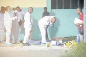 Duo hoben asesina di forma cruel riba ser'i Papaya na Corsou