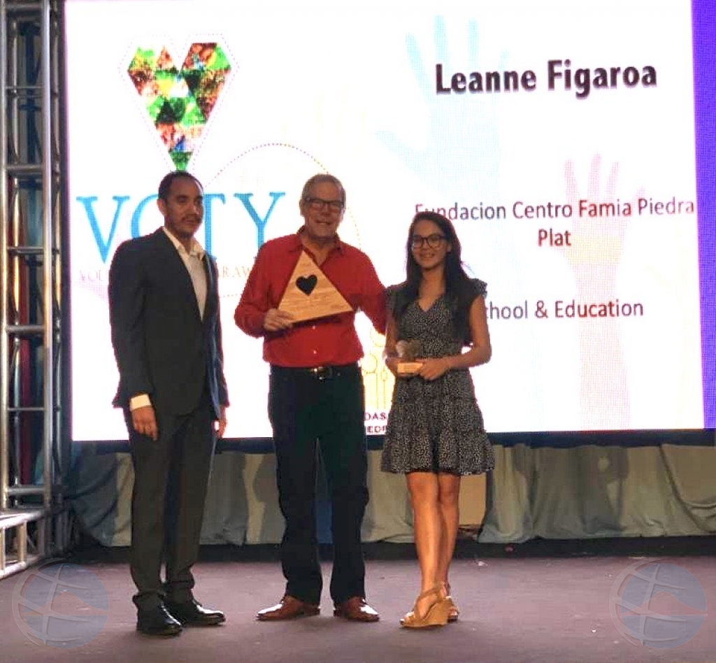 Leanne Figaroa Volunteer of the Year 2019 di Fundacion Centro Famia Piedra Plat