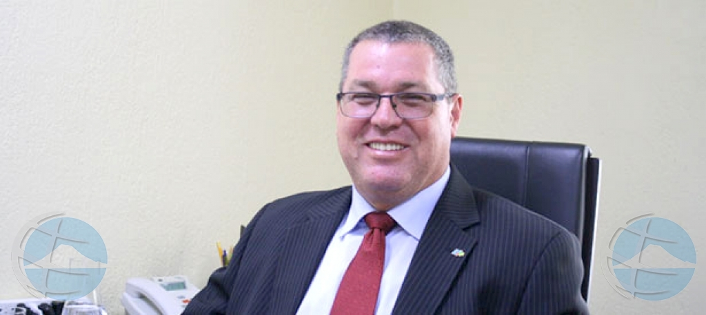 Corte: Utilities mester paga Frank Hoevertsz casi cuart miyon florin