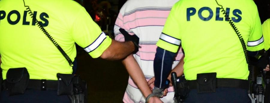 Polis a detene 9 chauffeur despues di Lighting parade pa buracheria