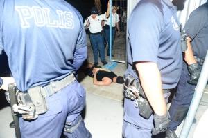 Polis a detene 15 hende durante Lighting Parade