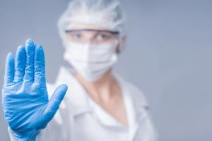 Famia Chines den cuarentena no a presenta simptoma di coronavirus