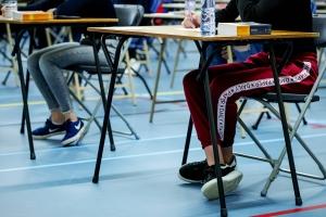 Examen central final scolnan secundario na Hulanda ta cancela