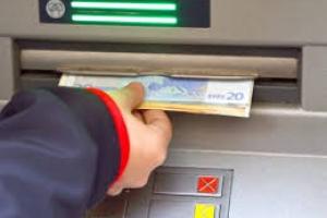 CMB a introduci limite pa lanta placa cash pa evita aglomeracion
