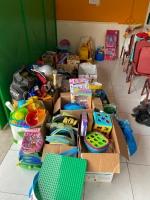 Bossi Volunteers Group a colecta donacion pa famianan den necesidad