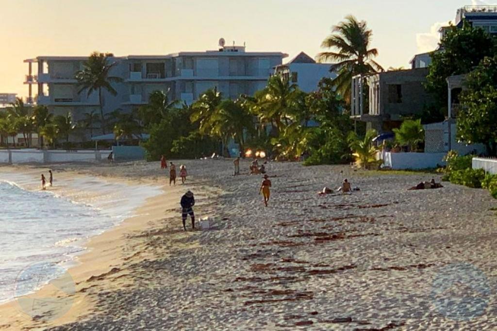 Ciudadanonan na St Maarten no ta respetando toque de queda