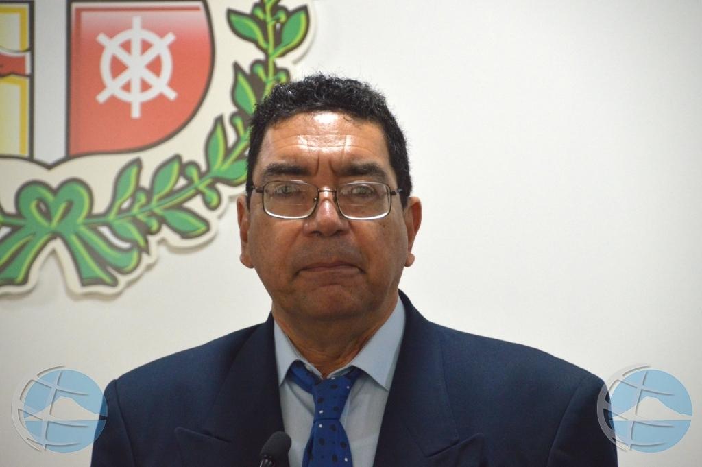Parlamento a yama minister Lampe pa bin 'duna cuenta' otro siman