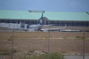 Avion a yega Aruba pa reemplasa trahadonan di plataforma petrolero