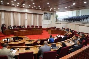 Parlamento via mocion ta urgi Gabinete Wever pa rechasa RFT di Hulanda