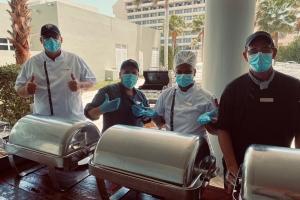 Hilton Aruba ta celebra cinco aña exitoso na Aruba cu un Lunch di aprecio na miembronan di e Team