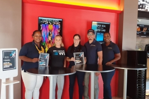 Kiwanis San Nicolas cu proyecto 'Kiwanis Takes Over The Movies Principal'