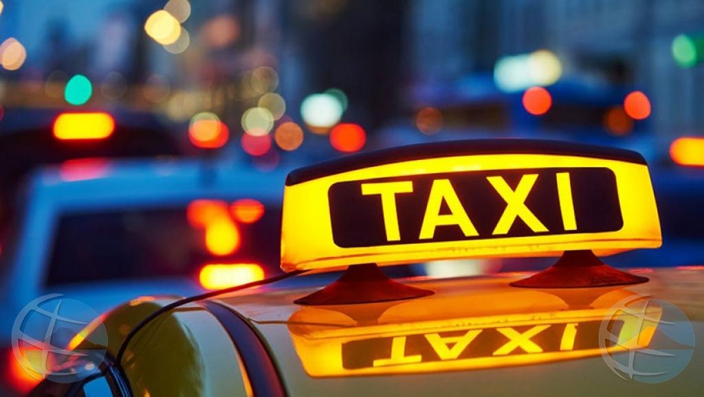Varios taxista ta reclama cu mester 'hustle' oranan largo pa 10 dollar