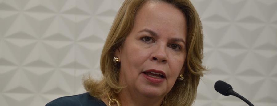 Evelyn Wever Croes ta considera AVP un universidad di corupcion