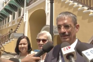 Shaheen Elhage a huramenta porfin como parlamentario na Corsou