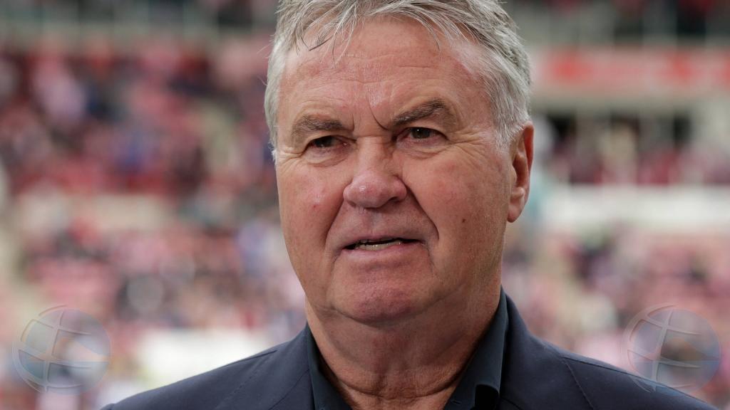 Guus Hiddink a spanta di e 'rebuelto' na Corsou pa cu Bicentini