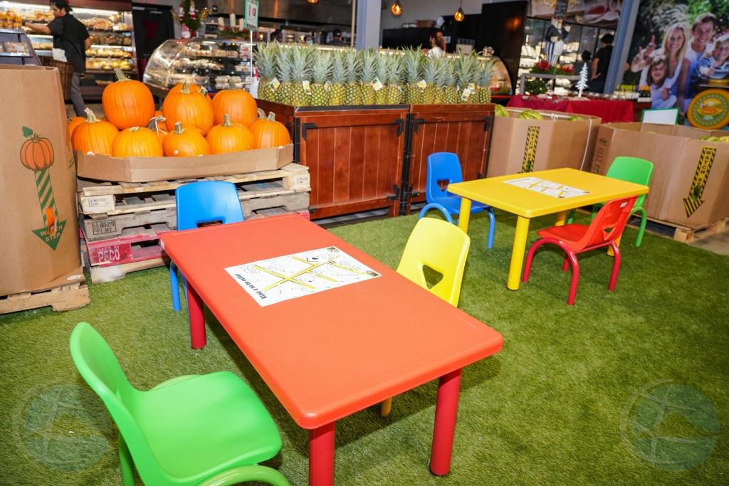 Kids Corner na Do It Center na Shaba ta e centro pa concurso di Pinta & Kleur
