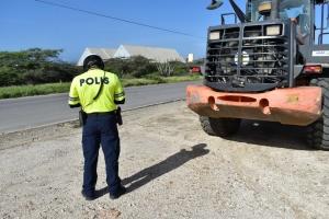 Hopi multa a cay pa chauffeur nan di truck dialuna durante control