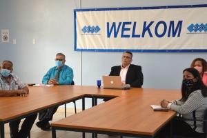 Rey Willem Alexander a combersa cu sector di Economia y Enseñansa di Aruba