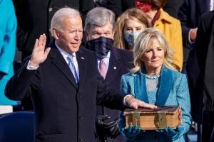 Joe Biden a huramenta como e di 46 presidente di Merca