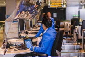 KLM ta elimina 1000 empleo mas debi na pandemia