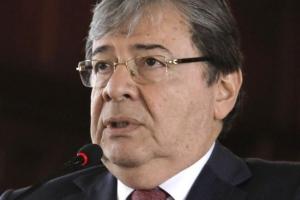 Minister di defensa di Colombia Holmes Trujillo a muri di Covid19