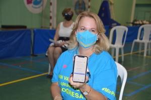 Tres minister di gabinete Wever Croes a vacuna contra Covid19