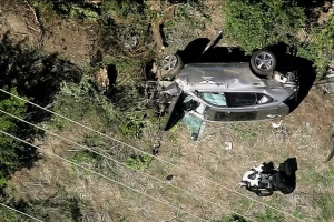 Leyenda di golf Tiger Woods envolvi den accidente serio di trafico