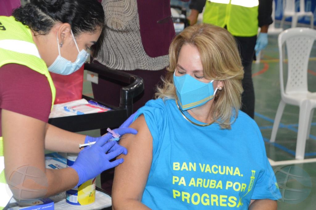 Wever: Despues cu ministernan a vacuna, 4 mil hende mas a registra pa vacuna