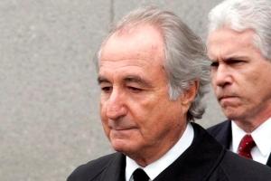 Defraudor financiero internacional Bernie Madoff a fayece den prison