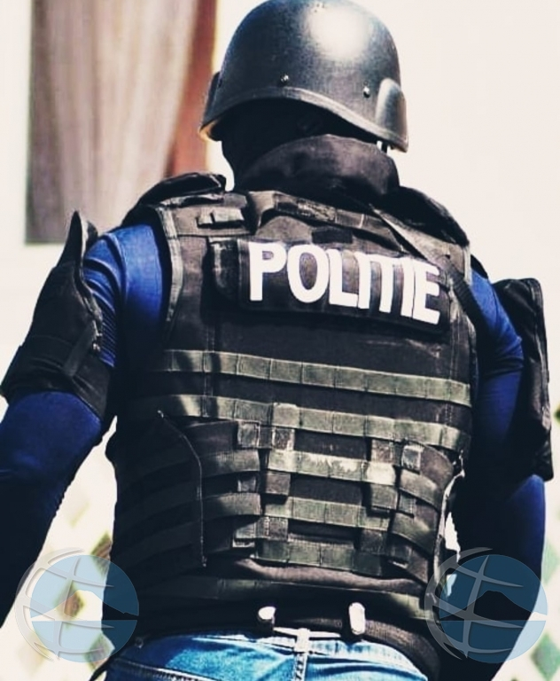 Den un razzia, polis a confisca basta droga y a detene persona