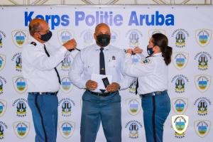 Varios agente policial a ricibi nan promocion den Cuerpo Policial Aruba
