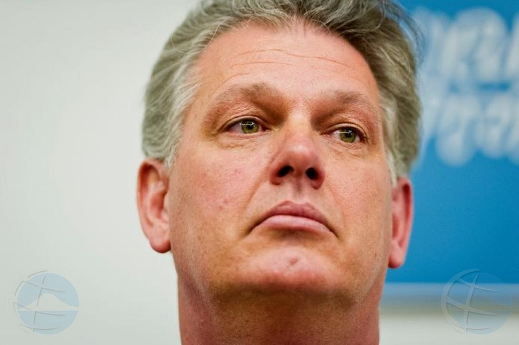Ministerio Publico a exigi 6 luna di prizon pa ex politico Hero Brinkman