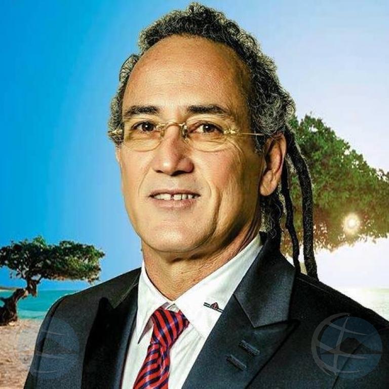 Awe nochi lider di partido RED Ricardo Croes den programa politico di NoticiaCla