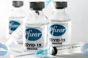 Compania cu a yuda traha vacuna Pfizer, a gana 2 biyon euro e aña aki caba