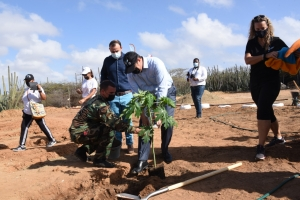 Gobernador Boekhoudt a efectua apertura di Aruba DOET diabierna mainta