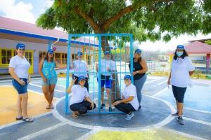 Durante Aruba Doet Aruba Bank a yuda Colegio Conrado Coronel