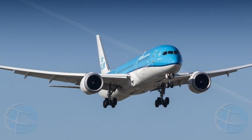 Baby a nace durante pleno buelo di KLM bayendo Hulanda