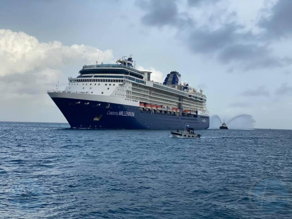 Aruba a ricibi su prome bapor crucero cu pasahero despues di un aña!