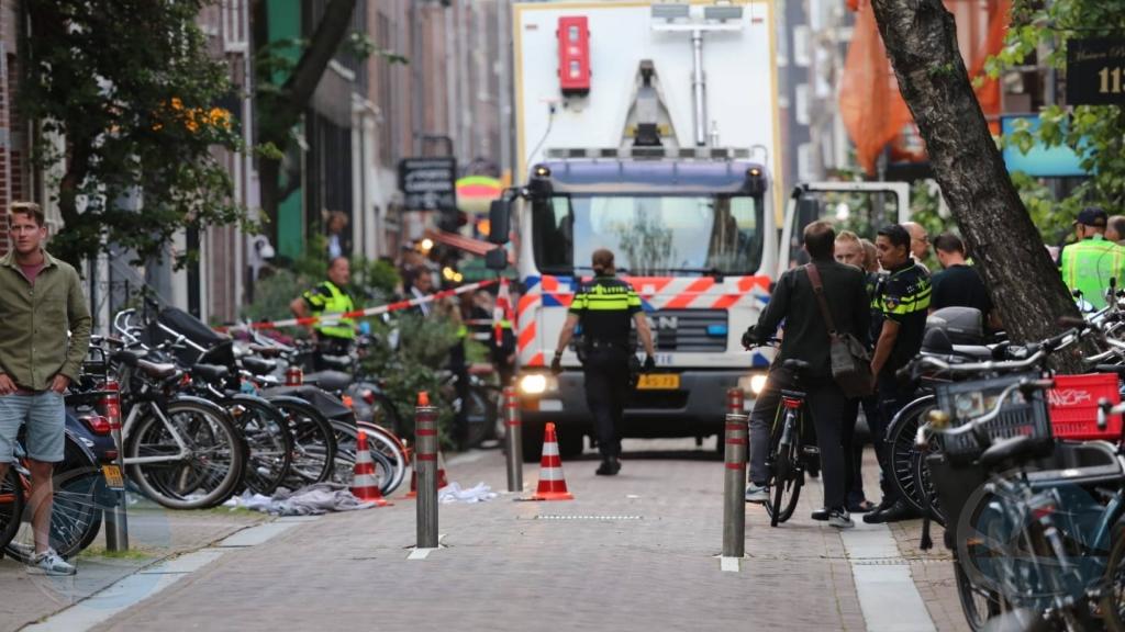 Politiek Den Haag den shock pa atentado riba periodista Peter de Vries