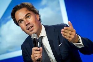 Ex CEO di KLM a bira miembro di hunta di comisario di aeropuerto di Bonaire