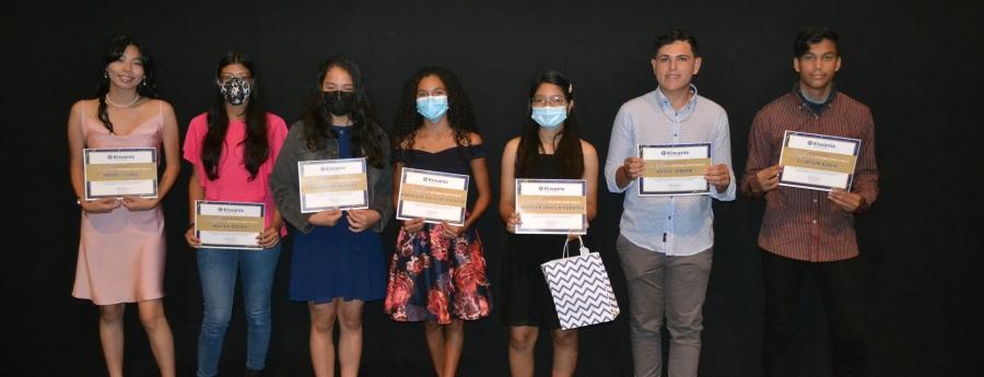 Kiwanis Club of Aruba a reconoce e top studiantenan di Colegio Arubano