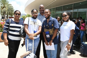 Casi 200 studiante di Corsou a bay Hulanda pa inicia estudio avansa