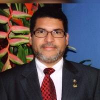 Yiu di tera dr Jose Sprok nombra Decano di Medicina na Costa Rica