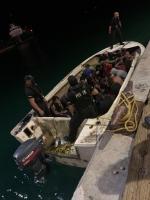 Polis Maritimo a intercepta un boto cu 24 persona