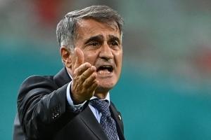 Turkia a retira su entrenador despues di a perde contra Hulanda