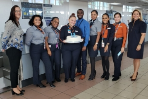 Aeropuerto a celebra 15 aña di JetBlue bulando pa Aruba