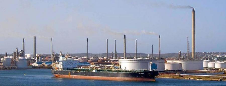 Na Corsou, CORC lo inverti 1 biyon den refineria den 3 pa 5 aña