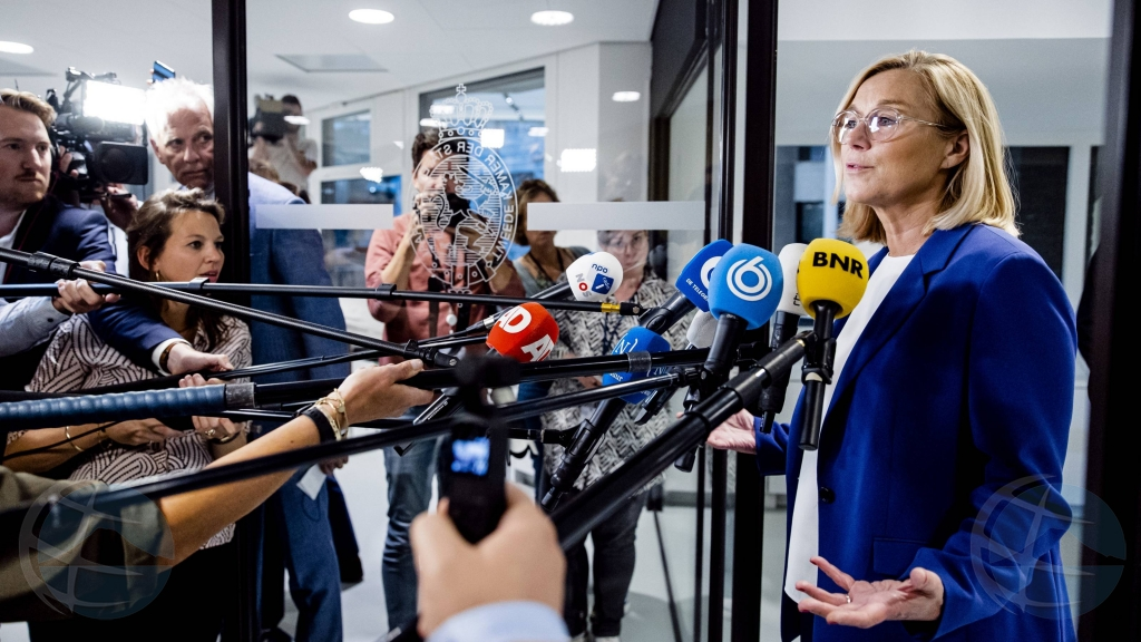 Minister Hulandes Kaag (D66) a entrega su retiro despues di un mocion di desaprobacion