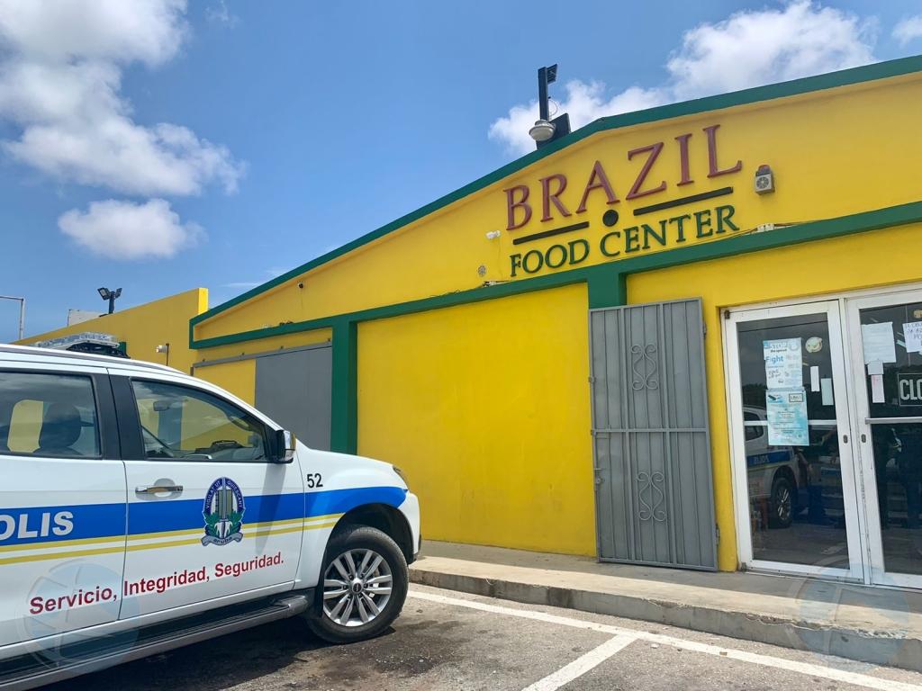 Polis a logra detene atracadornan di Brazil Food Center