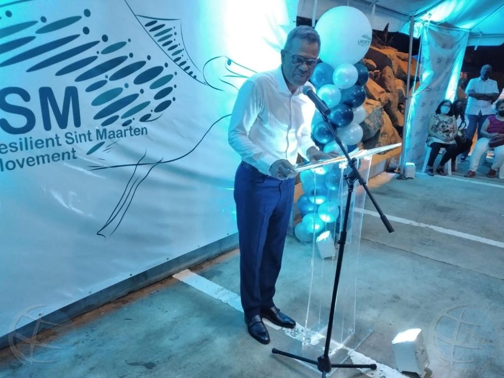 Ciruhano dr Luc Mercelina a lansa partido politico na St Maarten
